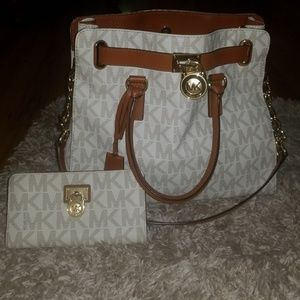 Authentic Michael Kors Purse & matching zip wallet
